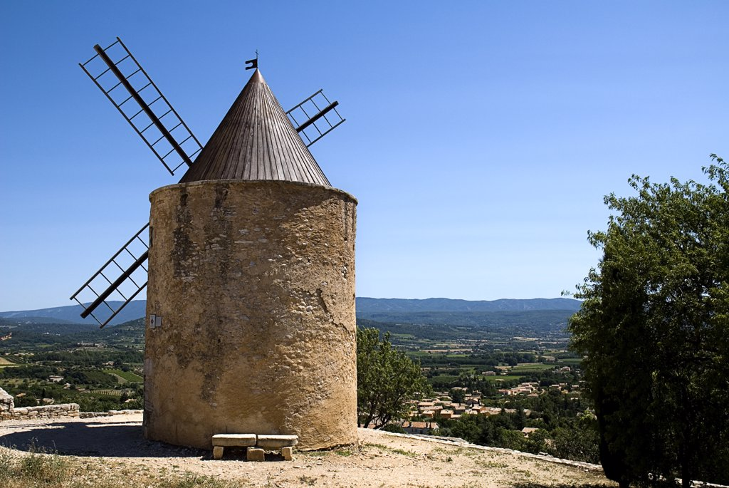 Stock Photo: 1850-26584 France, Provence Cote D?Azur, Vaucluse, St-Saturnin-Les Apt.  Seventeenth Century Windmill In The Village