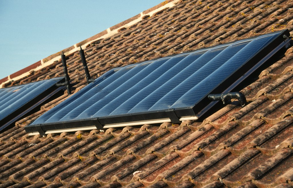Stock Photo: 1850-28578 Environment, Energy, Solar Power, Solar Panels On The Roof Of A House