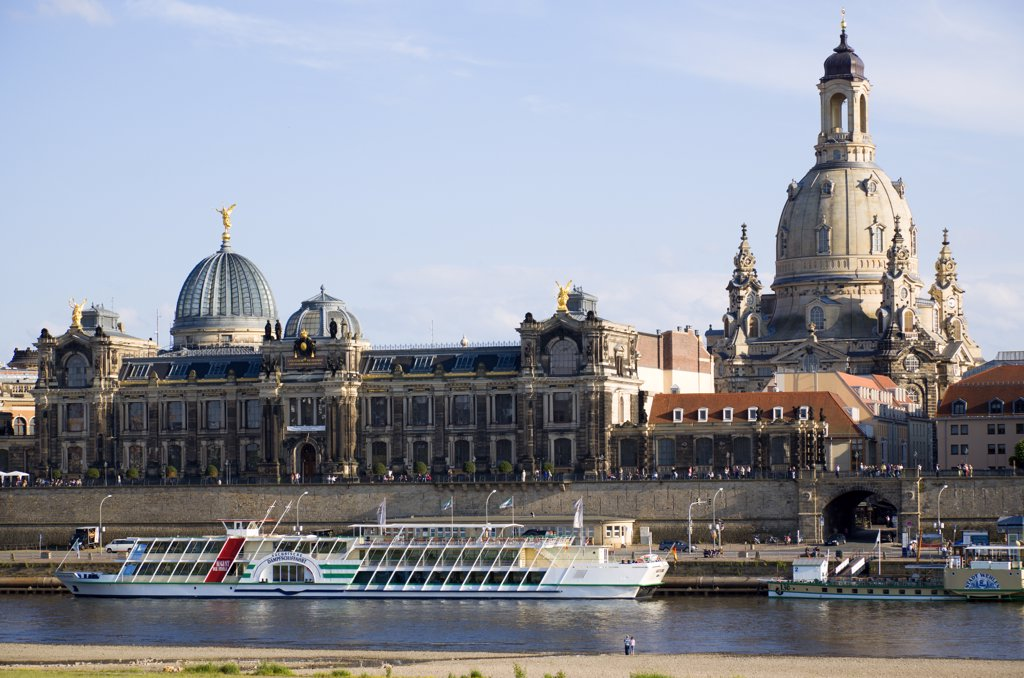 Stock Photo: 1850-29268 Germany, Saxony, Dresden, The City Skyline With Cruise Boats Moored On The River Elbe In Front Of The Embankment Buildings On The Bruhl Terrace Busy With Tourists Of The Art Academy And The Restored Baroque Frauenkirche Church Of Our Lady Dome.