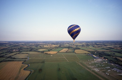 Sport, Air  , Ballooning, Single Hot Air Balloon Over Hedcorn And Kent Countryside. : Stock Photo