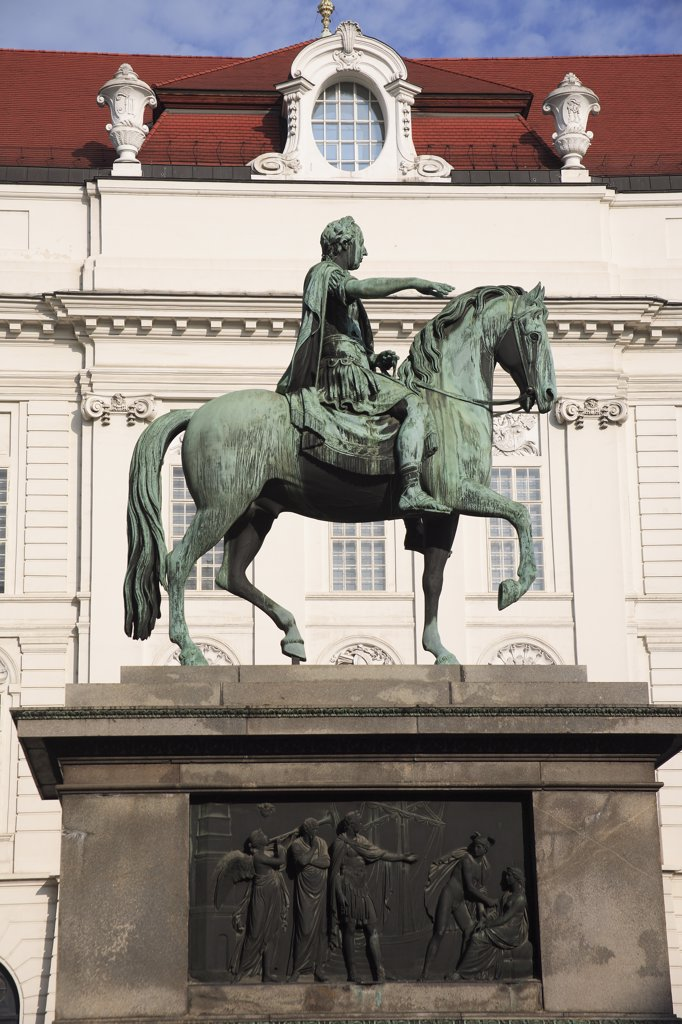 Austria Vienna, Monument to Emperor Josef II in the courtyard of the Spanish riding school : Stock Photo