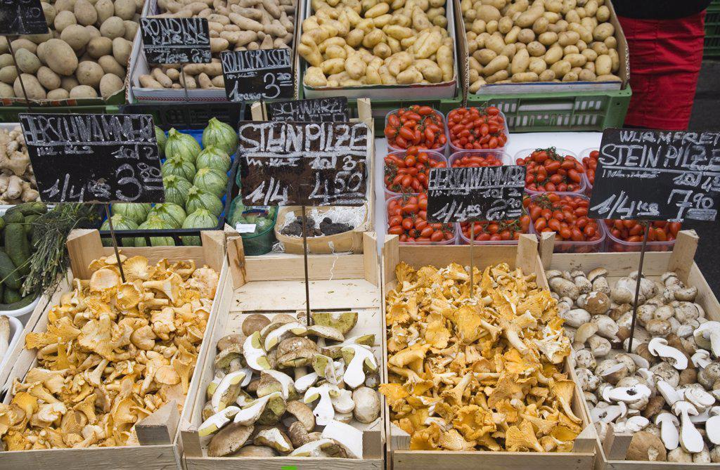 Stock Photo: 1850-31268 Austria Vienna, The Naschmarkt
