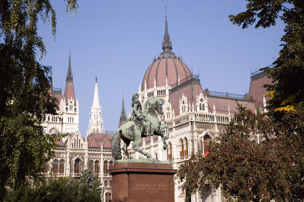 Stock Photo: 1850-31423 Hungary Pest County Budapest, Equestrian statue of Francis II Rakoczi  leader of the Hungarian uprising against the Habsburgs