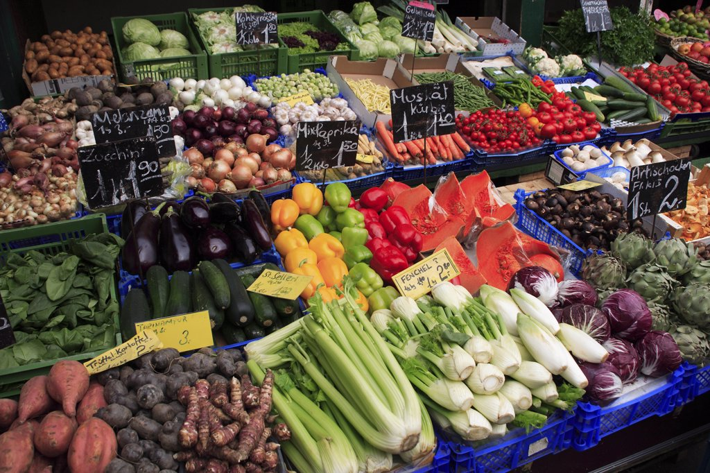 Austria, Vienna, Vegetable stall in the Naschmarkt. : Stock Photo