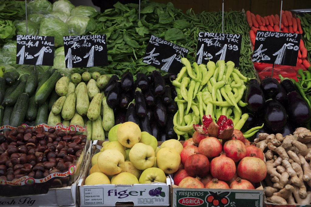 Austria, Vienna, Fruit and vegetable stall in the Naschmarkt. : Stock Photo