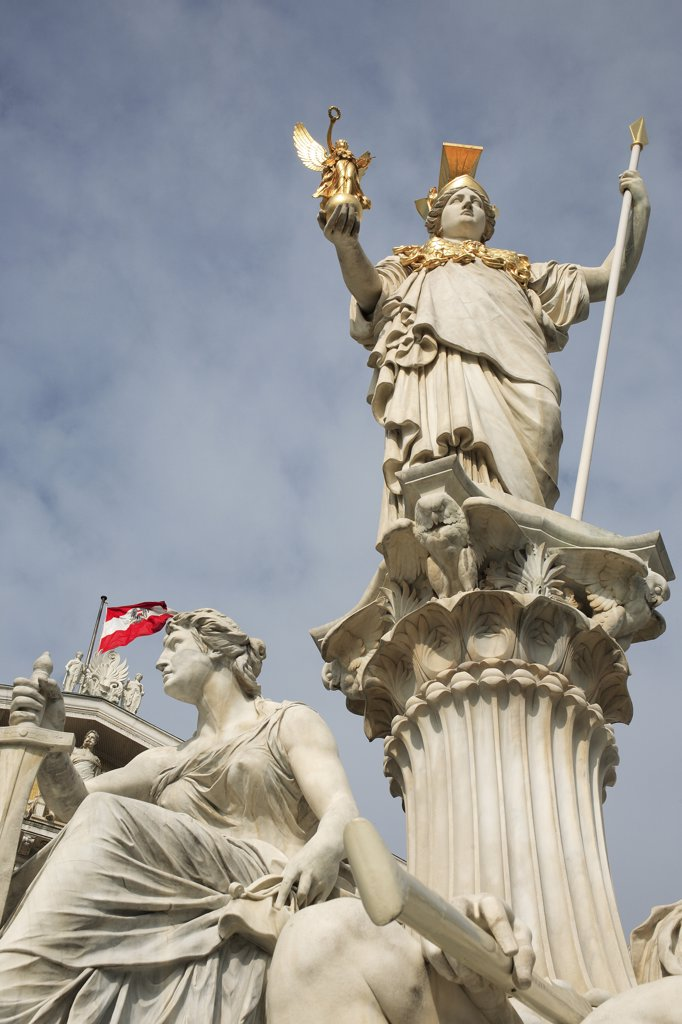 Stock Photo: 1850-33176 Austria, Vienna, Statue of Athena in front of Parliament.