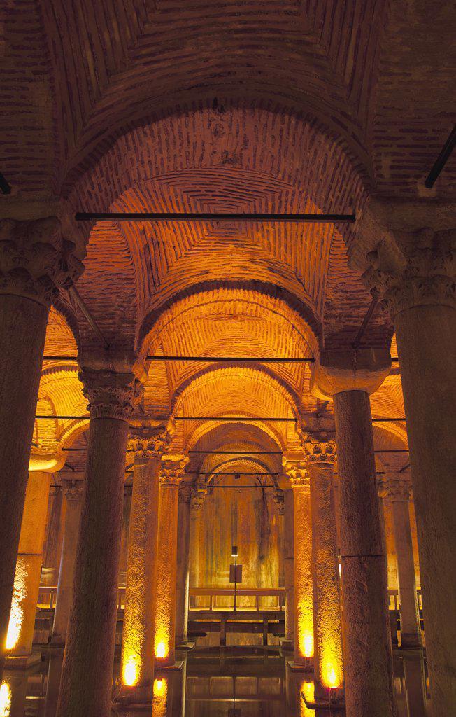Stock Photo: 1850-45399 Sultanahmet Yerebatan Sarnici Basilica Cistern.Turkey Istanbul