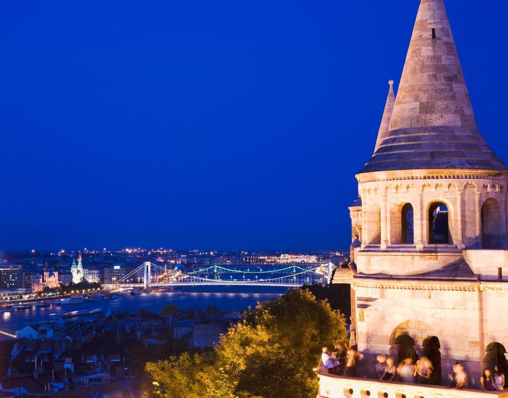 Stock Photo: 1850-45571 Hungary, Budapest, Buda Castle District, view over Danube and Pest from Fishermen's Bastion.