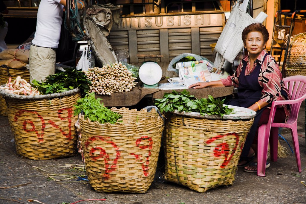 Stock Photo: 1850-45694 Thailand, Bangkok, Fresh Ginger and herbs on sale in Chinatown market.