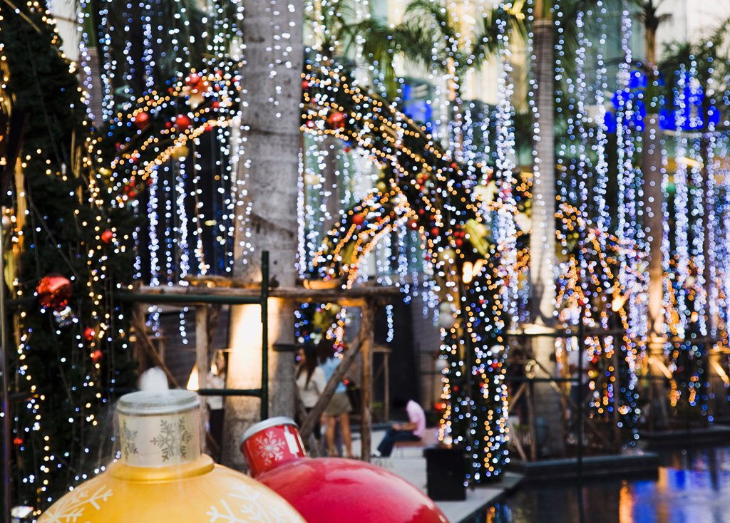 Stock Photo: 1850-45711 Thailand, Bangkok, Christmas lights outside Siam Paragon, Bangkok's premier shopping Mall.