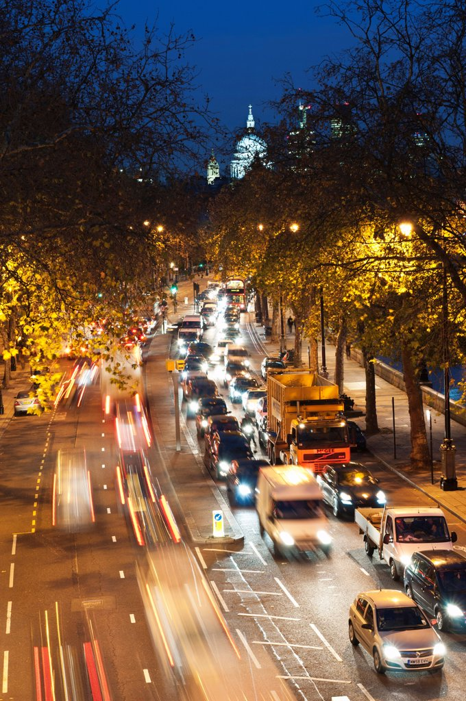 Stock Photo: 1850-46037 England, London, Rush hour traffic along the Embankment with St Paul's Cathedral in the background.