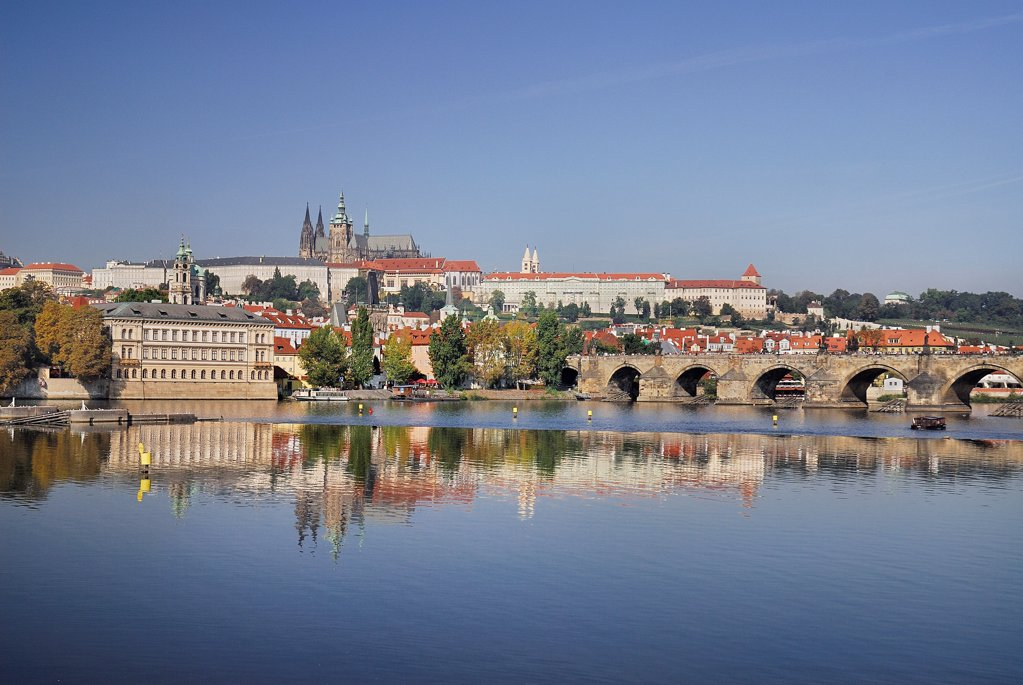Stock Photo: 1850-46184 Czech Republic, Bohemia, Prague, Charles Bridge and St Vitus seen from bank of River Vltava.