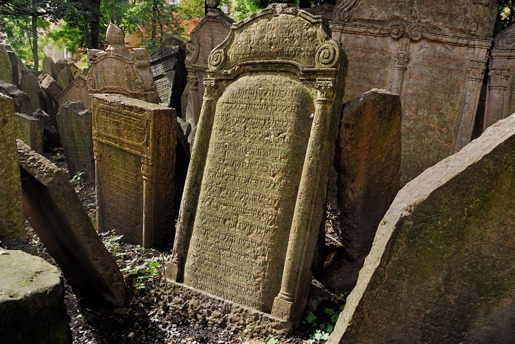 Stock Photo: 1850-46217 Czech Republic, Bohemia, Prague, Old Jewish Cemetery.