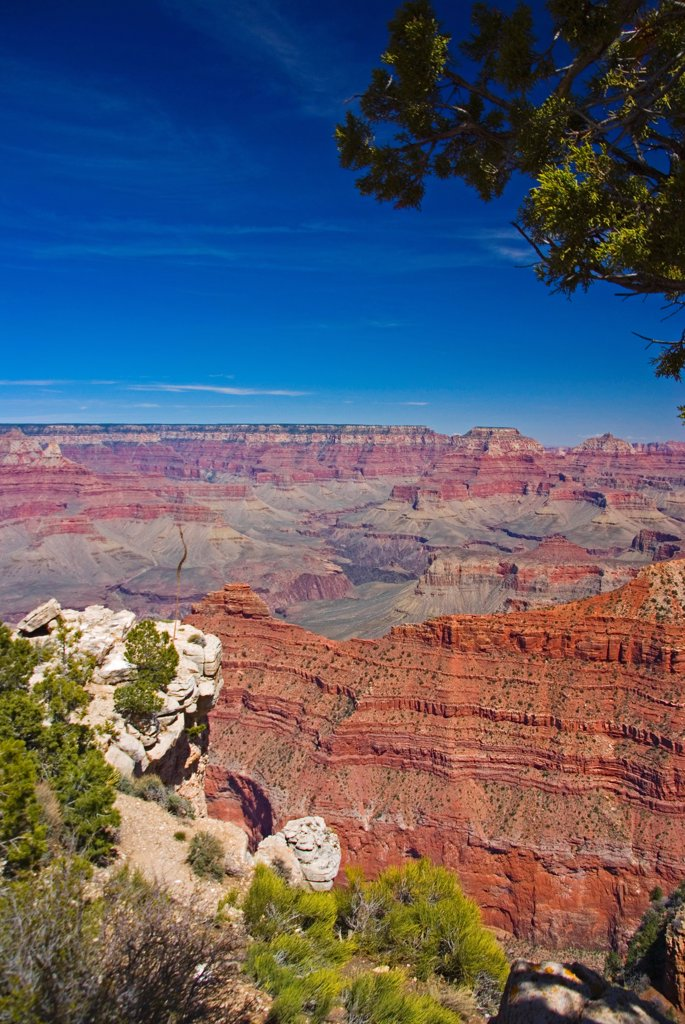 Stock Photo: 1850-46321 USA, Arizona, Grand Canyon. View across the Grand Canyon.