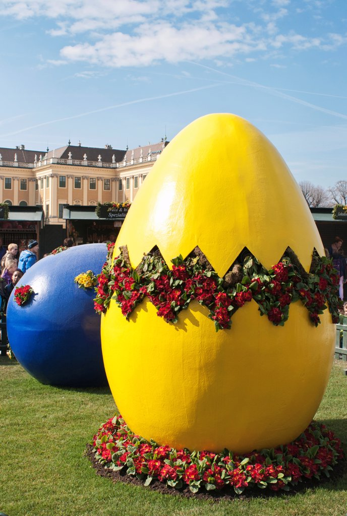 Stock Photo: 1850-46351 Austria, Vienna, Giant painted Easter eggs at entrance of the Easter Market at the Schonbrunn Palace.