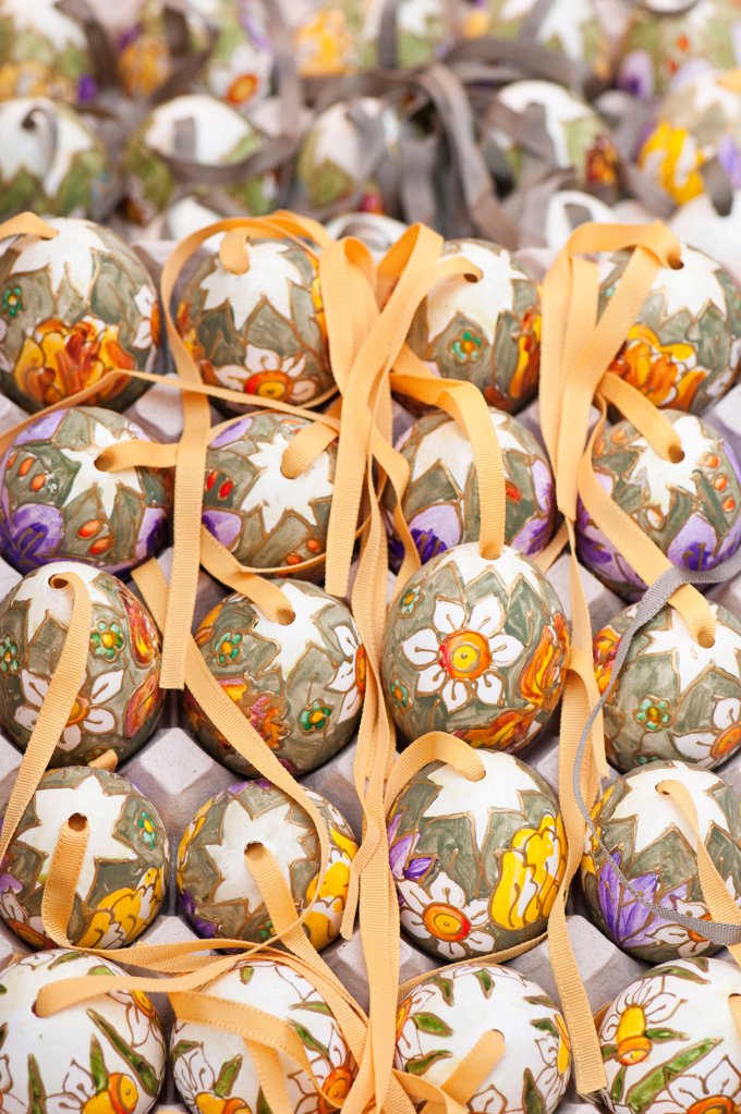 Stock Photo: 1850-46364 Austria, Vienna, Hand painted and decorated egg shells to celebrate Easter at the Old Vienna Easter Market at the Freyung.