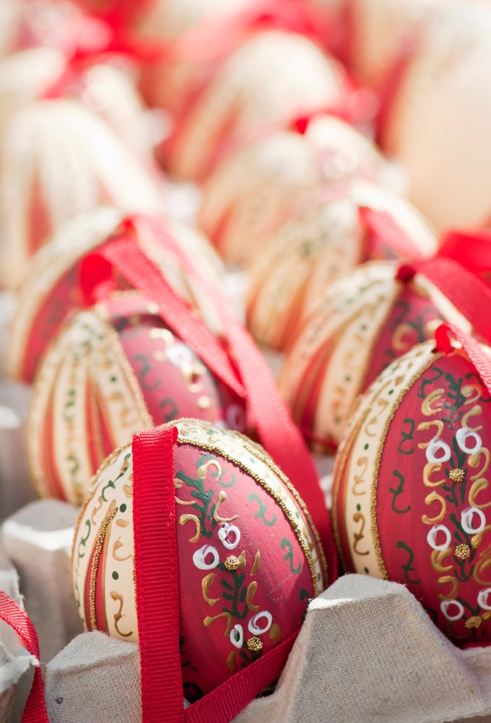 Stock Photo: 1850-46376 Austria, Vienna, Hand-painted and hand decorated egg shells to celebrate Easter at the Old Vienna Easter Market at the Freyung.
