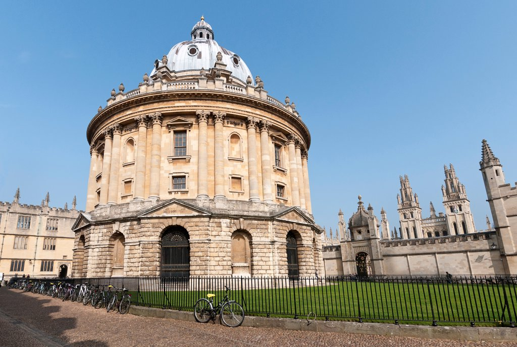 Stock Photo: 1850-46439 England, Oxfordshire, Oxford, The Radcliffe Camera, built by James Gibbs between 1737 and 1749 forms part of Oxford University's Bodleian Library, one of the oldest libraries in Europe and second largest in the United Kingdom.
