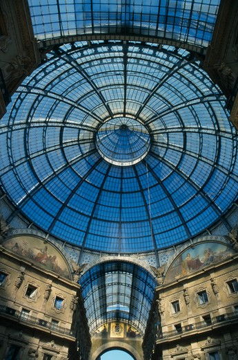 Italy, Lombardy, Milan, Galleria Vittorio Emanuele Ii Shopping Arcade Designed By The Architect Giuseppe Mengoni In 1865.  Detail Of Glass Ceiling And Dome. : Stock Photo