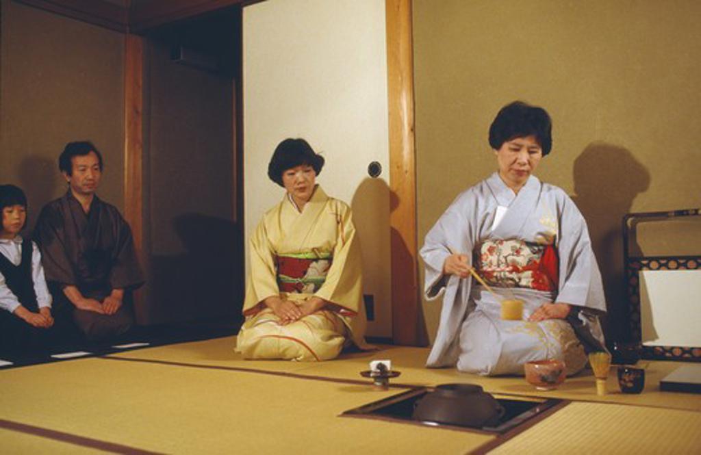 Stock Photo: 1850-7273 Japan, Honshu, Tokyo, Tea Ceremony