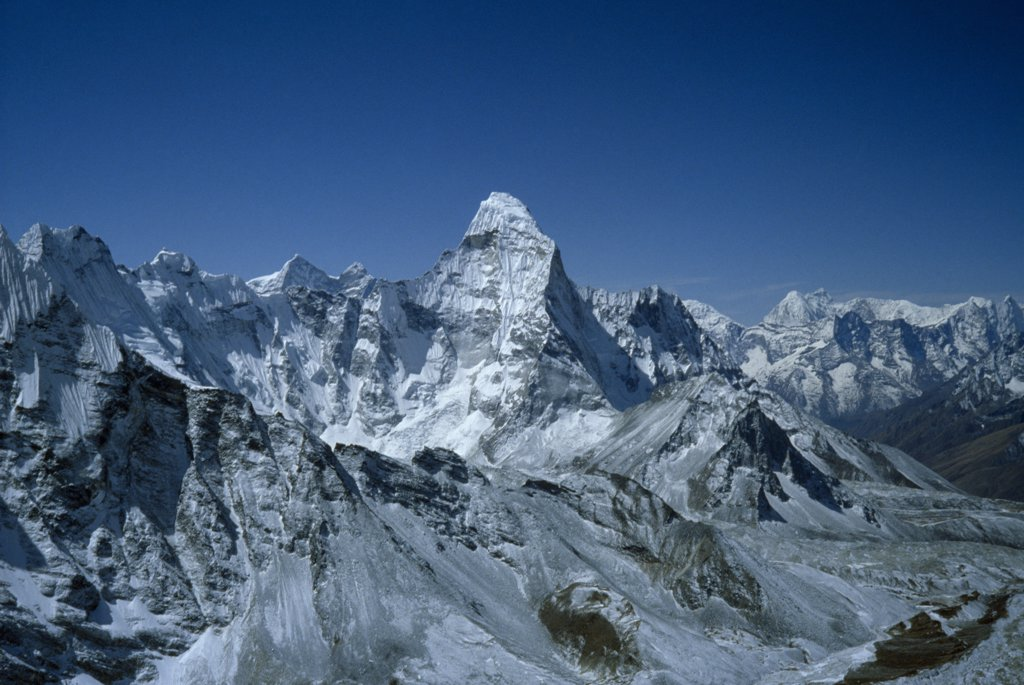 Nepal, Himalayas, View Of The Mountain Range And Mount Everest Peak : Stock Photo