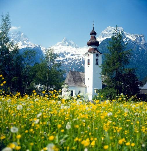 Stock Photo: 1851-4691 Springtime in the Austrian Alps