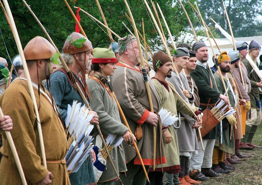 Archers line up at the army Camp 1066 Battle of Hastings England : Stock Photo