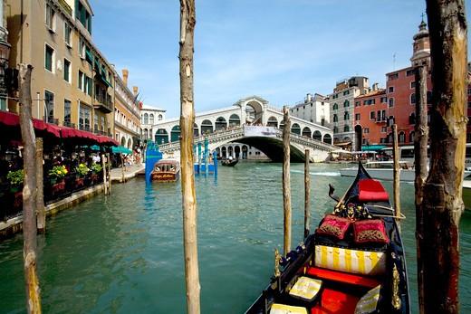 Stock Photo: 1851-6639 Grand Canal and the famous Rialto Bridge in Venice.