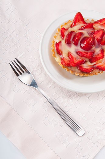 High angle view of strawberry tart : Stock Photo