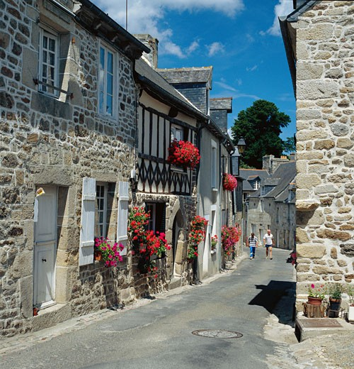 France, Brittany, Moncontour, Street scene : Stock Photo