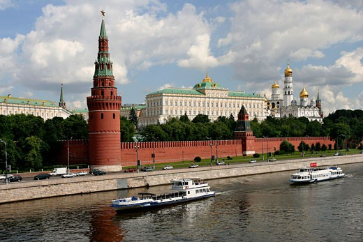 Russian Federation, , Moscow, View of the Kremlin across river : Stock Photo