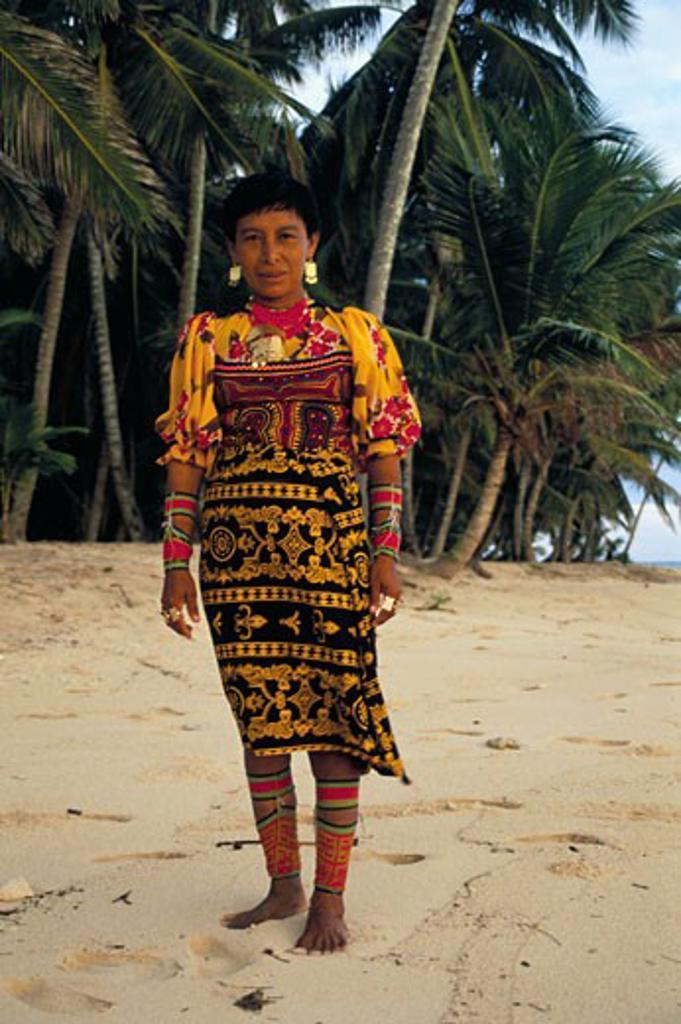 Panama, , , San Blas Islands, Kuna traditional dress : Stock Photo