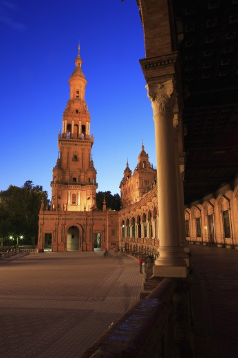 Spain, Andalucia, Seville, View of the Plaza de Espana at night : Stock Photo