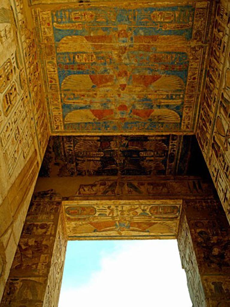 Stock Photo: 1885-12440 Egypt, , Luxor, Painted ceiling at Medinet Habu - Mortuary Temple of Ramses III