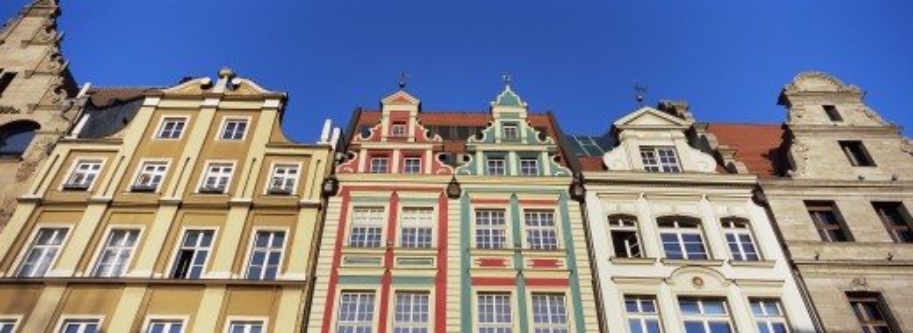 Stock Photo: 1885-13692 Poland, , Wroclaw, Buildings lining Rynek - Market Square