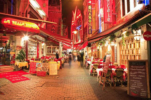 Stock Photo: 1885-14581 Belgium, Flanders, Brussels, Restaurants at night
