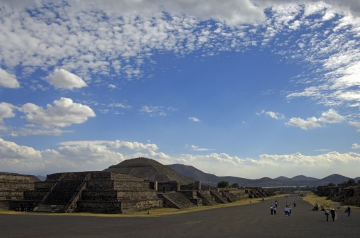 Mexico, , Teotihuacan, Ruins of Teotihuacan - Avenue of the Dead and Pyramid of the Sun : Stock Photo