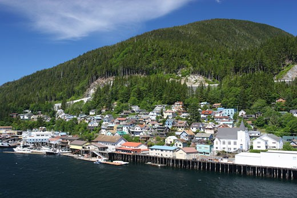 USA, Alaska, Inside Passage, Waterfront houses : Stock Photo