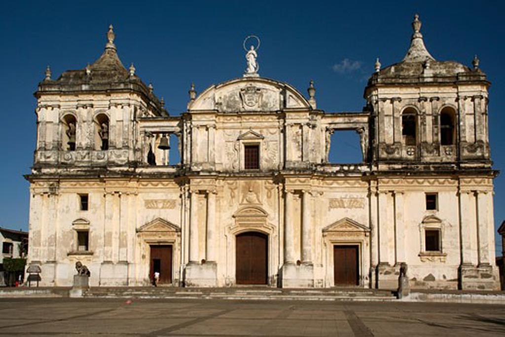Stock Photo: 1885-15934 Nicaragua, , Leon, Cathedral of San Pedro