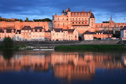 France, The Loire, Amboise, Chateau reflected in the Loire : Stock Photo