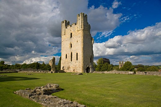 Stock Photo: 1885-17537 UK - England, Yorkshire, Helmsley, Helmsley Castle