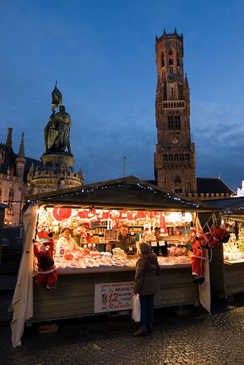 Stock Photo: 1885-18184 Belgium, Flanders, Bruges, Christmas Market in the Market Square