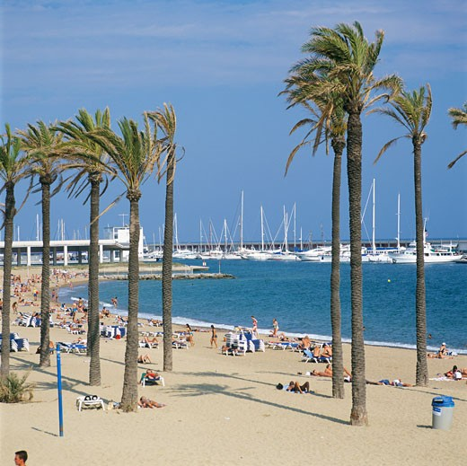 Stock Photo: 1885-2121 Spain, Catalunya, Barcelona, Beach at Port Olympic