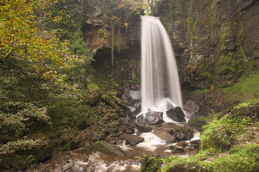 Stock Photo: 1885-21682 UK - Wales, Melincourt, Melincourt Falls Autumn Brecon Beacons National Park