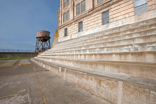 Stock Photo: 1885-22550 USA, California, San Francisco, Alcatraz Recreation Yard