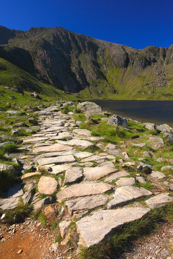 UK - Wales, Gwynedd, Snowdonia, Path beside llyn idwal leading to the devil's kitchen : Stock Photo