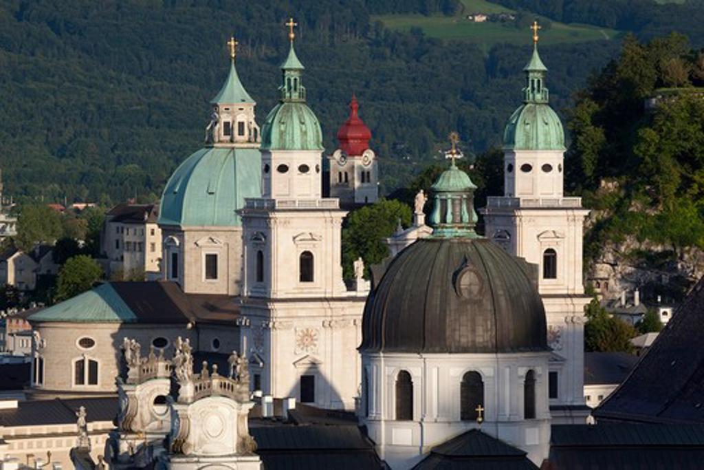 Stock Photo: 1885-23091 Austria, Salzburger Land, Salzburg, View over City at Sunset