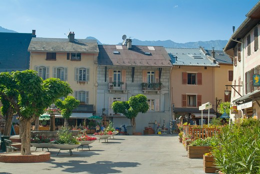 Stock Photo: 1885-25264 France, Rhone Alps, Conflans, Town centre with fountain