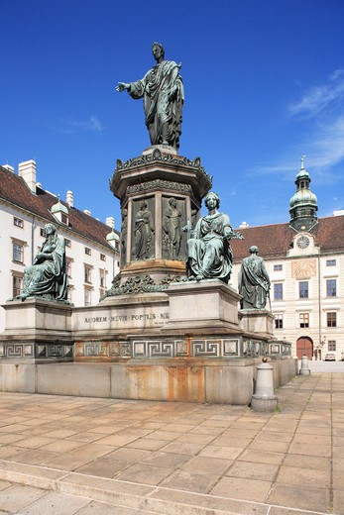 Stock Photo: 1885-25599 Austria, Vienna, Kaiser Franz I statue