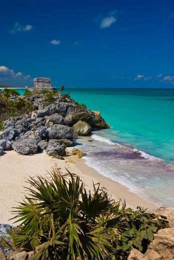 Stock Photo: 1885-26022 Mexico, Quintana Roo, Tulum, View over beach to Temple of the Wind